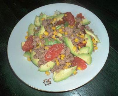 Cuisine en Compagnie – Salade de Thon, Avocat, Maïs, et Pomelos