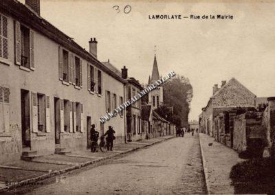 lamorlaye-rue-de-la-mairie-03