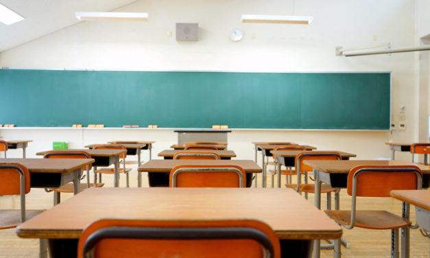 Les élèves à risque sont priés de rester chez eux